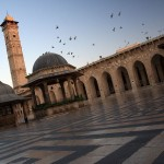 800px-Aleppo_inside_the_Great_mosque